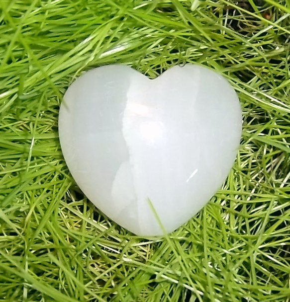 LARGE STRIPE ONYX HEART STONE