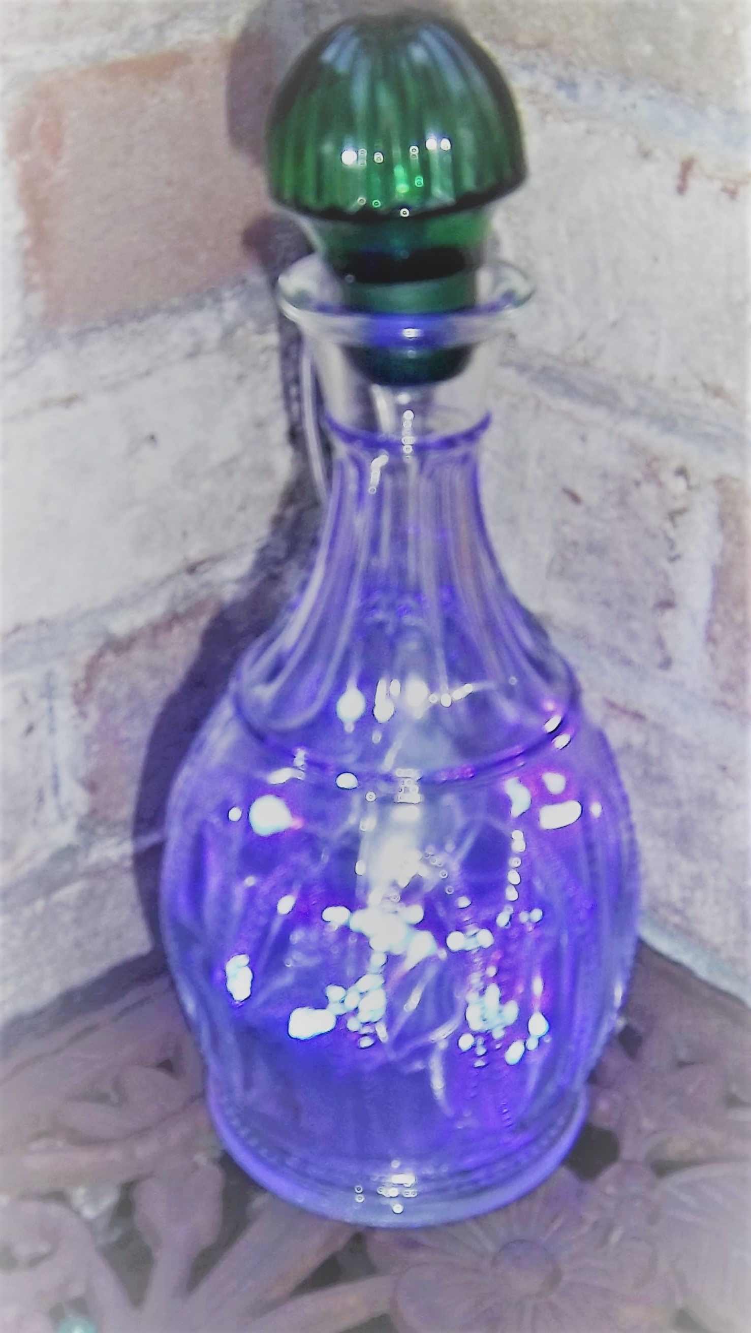 Genie Bottle Aura Lantern with Green Stopper