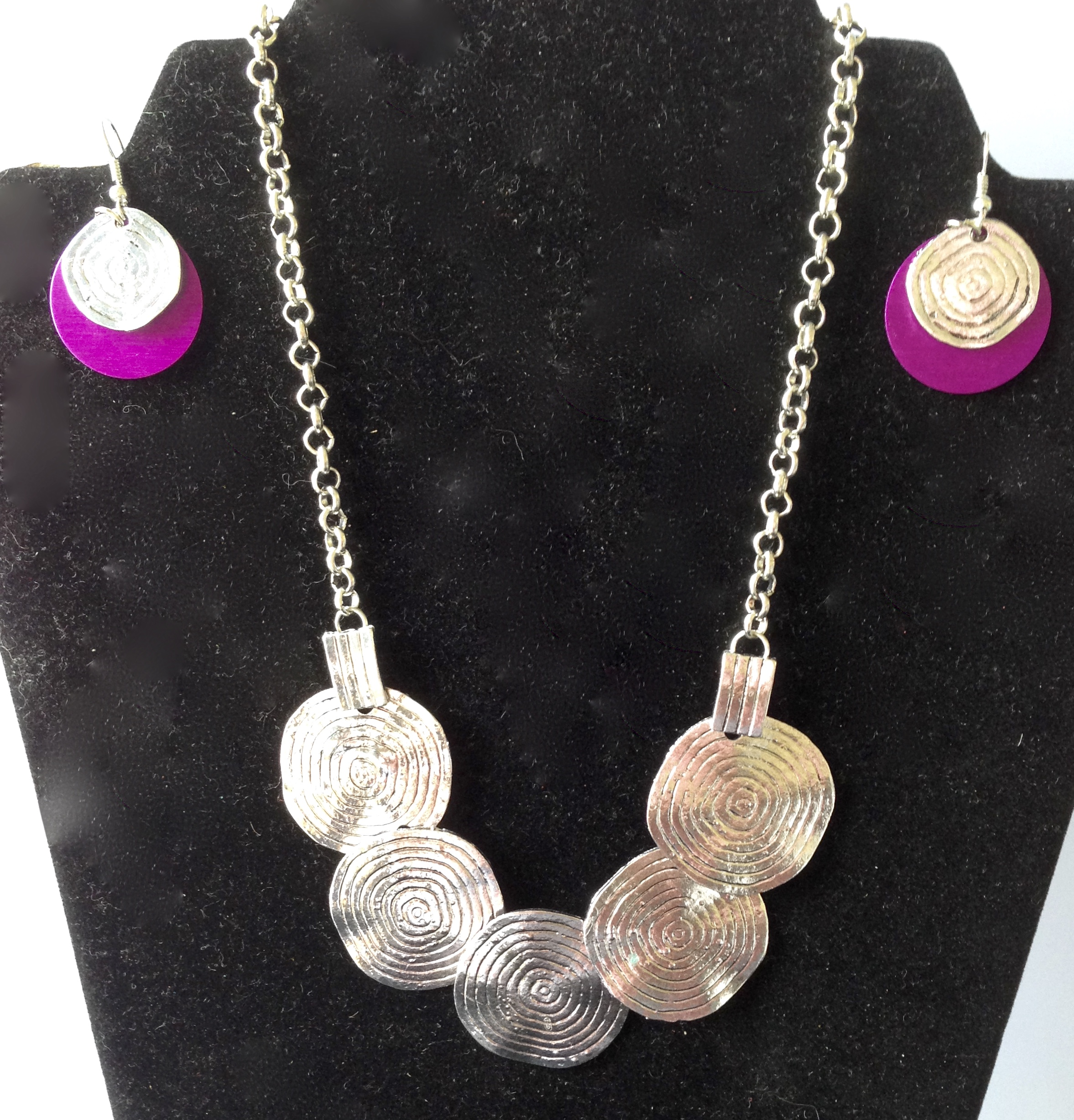 SALE:Silver Disks Necklace and Earrings Set