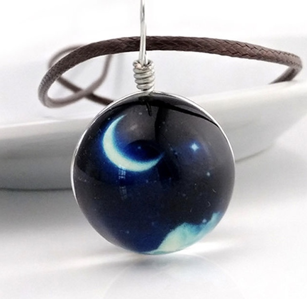 Glow In The Dark Moon Necklace w/Energy Disk