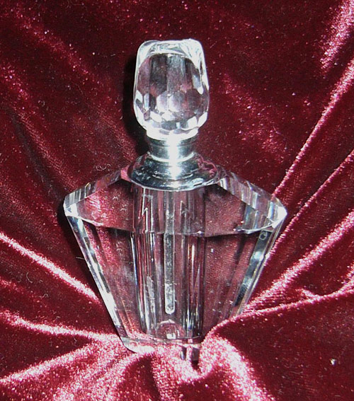 CRYSTAL Diamond-cut perfume or oil holder